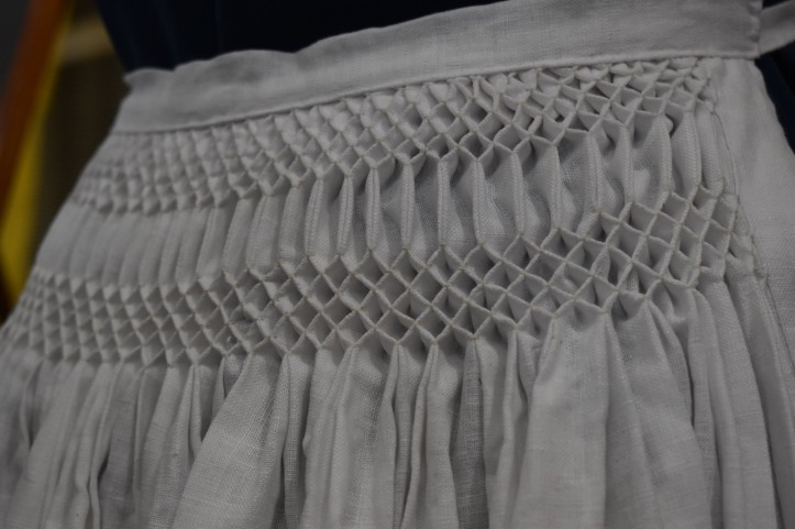 16th c. Honeycomb smocked and pleated apron